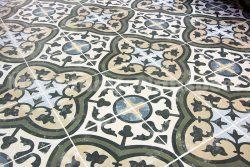 Badkamertegels Met Motief : Keramische portugese vintage vloertegels met motief