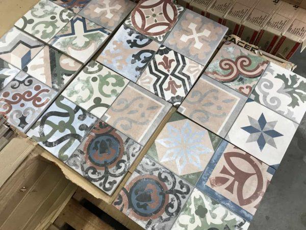 Keramische gekleurde portugese tegels 25x25