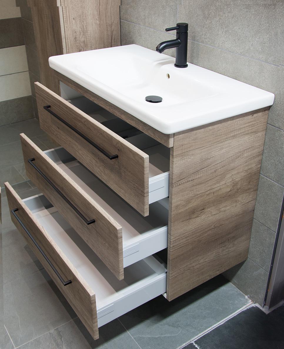 Badkamermeubel met mat-zwarte handgrepen | Megadump