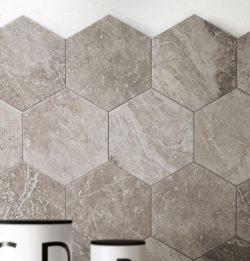 hexagon zeshoek tegels taupe