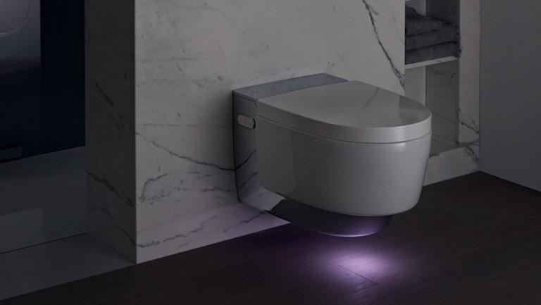 Geberit Toilet Prijs : Geberit aquaclean mera comfort glans verchroomd hangend toilet