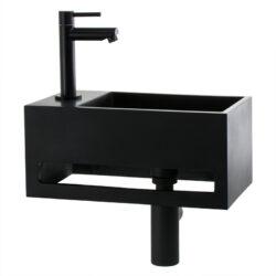 Solid Surface fontein met handdoekrek en mat zwarte kraan en afvoerset links
