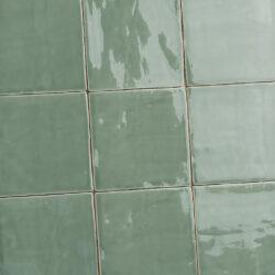 Oud Makkum jade groene handvorm tegels 13x13 cm