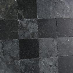 Turks marmer zwart getrommeld 10x10 met hardsteen olie