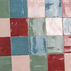 Handvormtegels 13x13 kleurenmix roze rood blauw groen