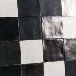 Handvormtegels 13x13 Mat wit Mat zwart en Platinum mix